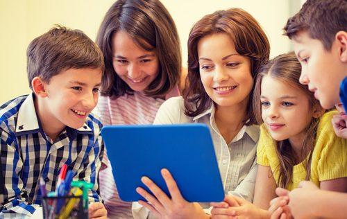 米国でダウンロード数が急増中! 今トレンドのスクール・コミュニティ・アプリとは。